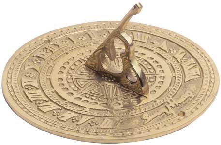 El Reloj de Sol. Los antiguos obeliscos egipcios eran pilares cuya sombra  se desplazaba a medida que transcurría el día y marcaba las horas entre el